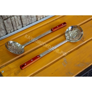 Шумовка для казана 47см. глубокая, с дырочками, деревянная ручка